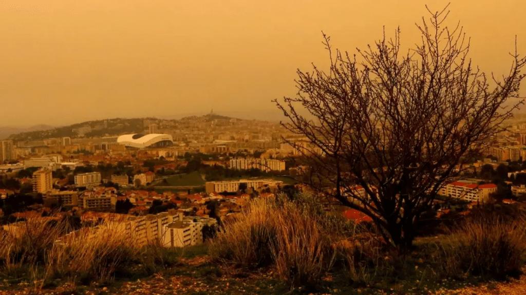 Un Nuage de Sable du Sahara pourrait teinter d'orange le ciel Marseillais !