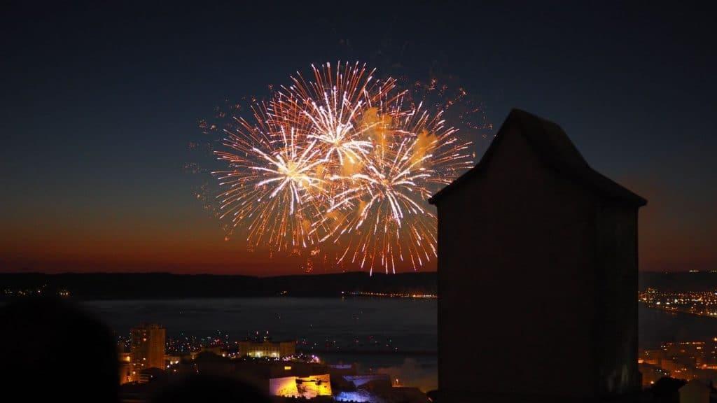 feu d'artifice 14 juillet marseille fete nationale bastille france
