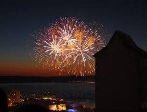 Les plus belles images du feu d'artifice du 14 juillet sur le port de Marseille !