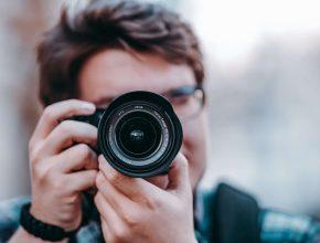 Cet automne, les facteurs de La Poste vont prendre des portraits photos des habitants de Marseille !