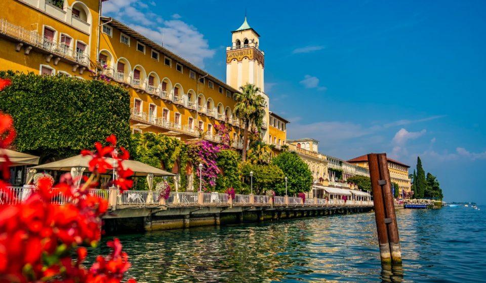 Alla scoperta di Gardone Riviera, unica Bandiera Blu della Lombardia