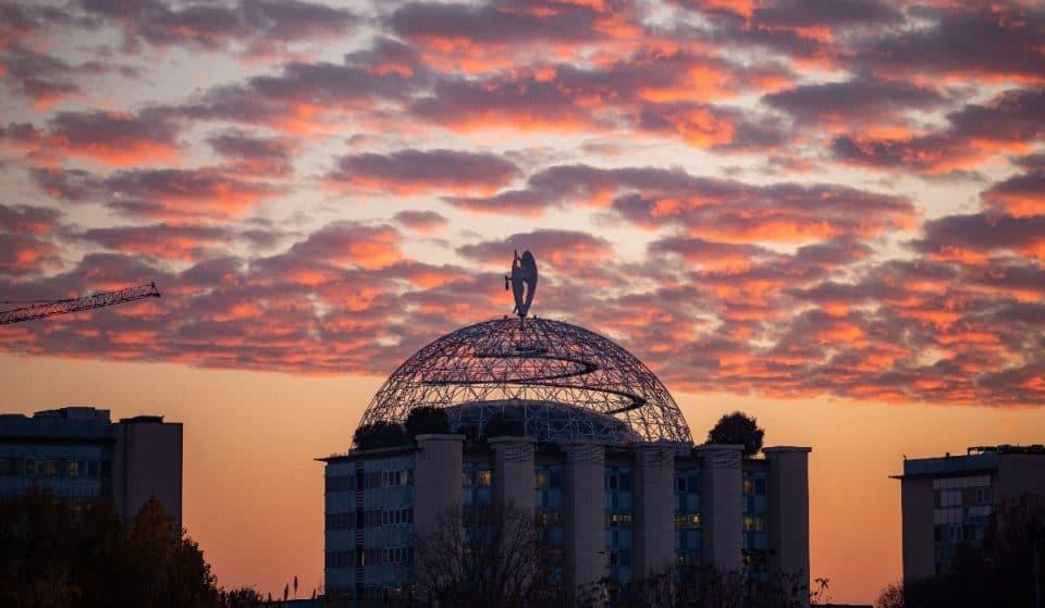 A Milano questo sabato ci sarà l'ultimo tramonto alle 19 del 2021