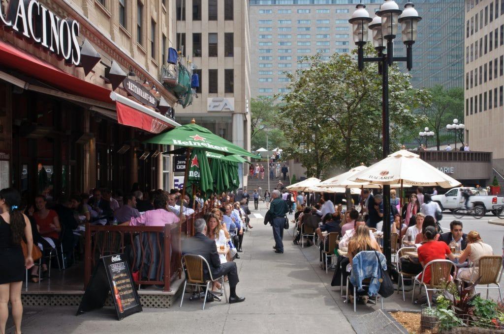 Il y aura un plus grand nombre de terrasses à Montréal en été 2021 !