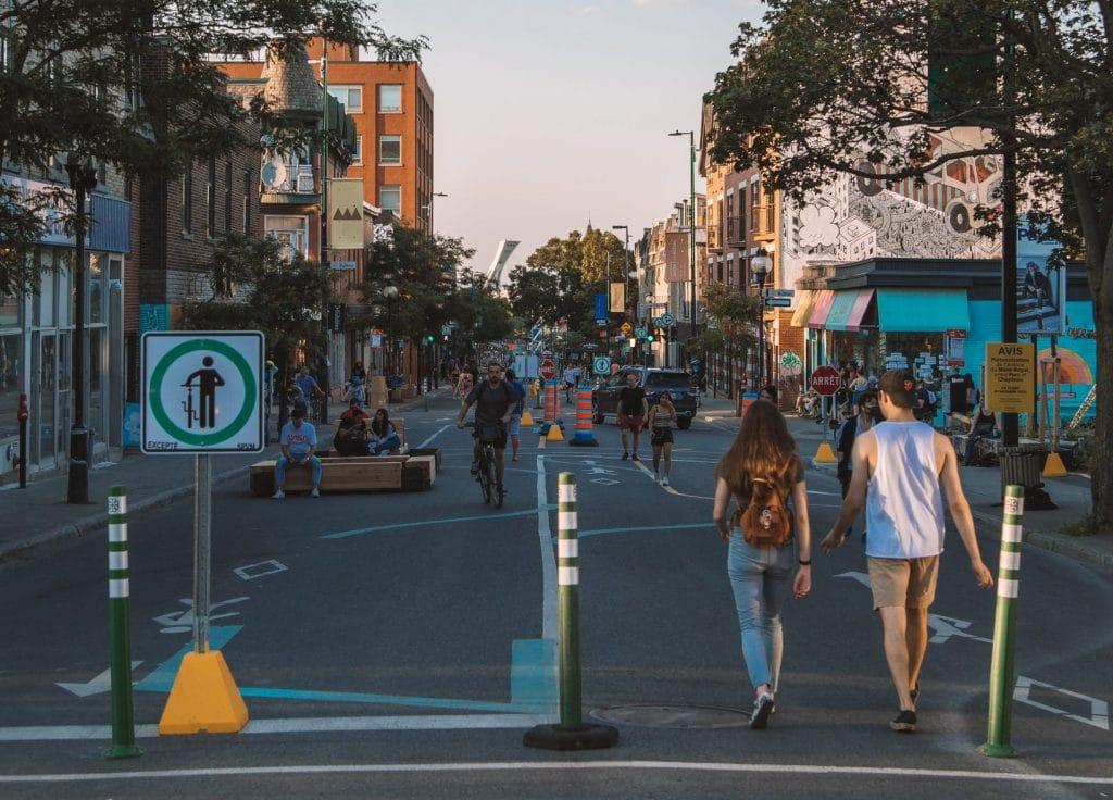 Montréal aura plus de rues piétonnières en été 2021 !
