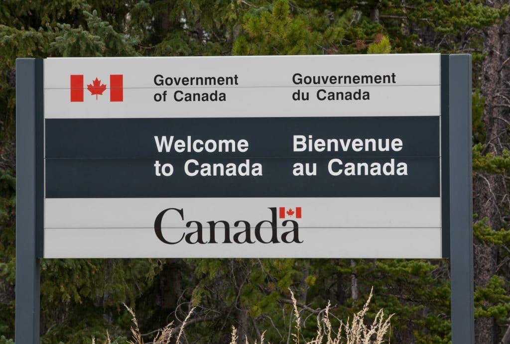 COVID-19 : la frontière canado-américaine restera fermée au moins jusqu'au 21 juin