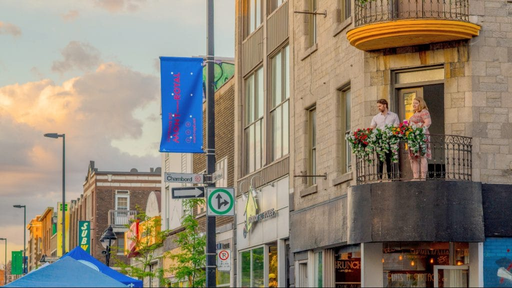 COVID-19 : les Montréalais.es pourront bientôt recevoir des gens à la maison !