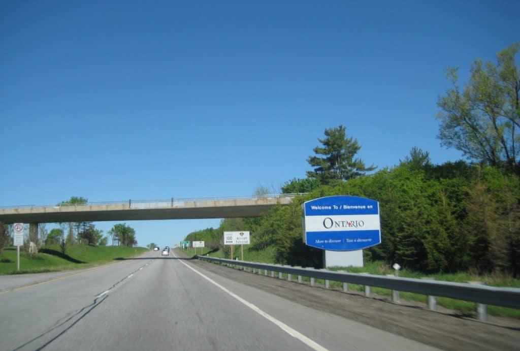 COVID-19 : la frontière entre le Québec et l'Ontario rouvrira dès demain