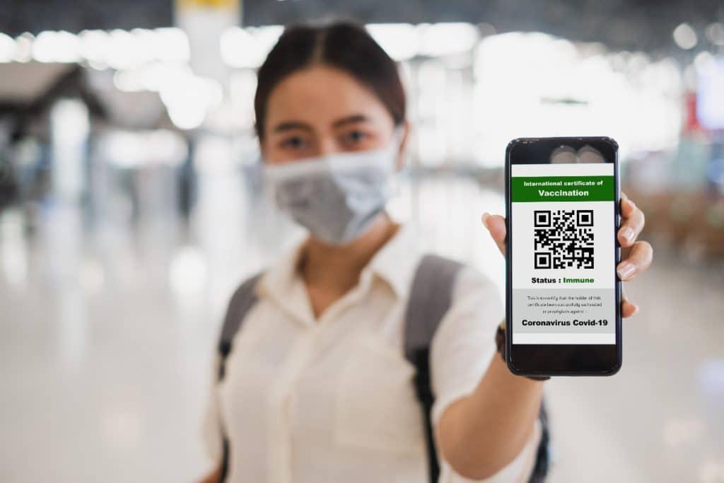 COVID-19 : tout ce qu'il faut savoir sur le passeport vaccinal