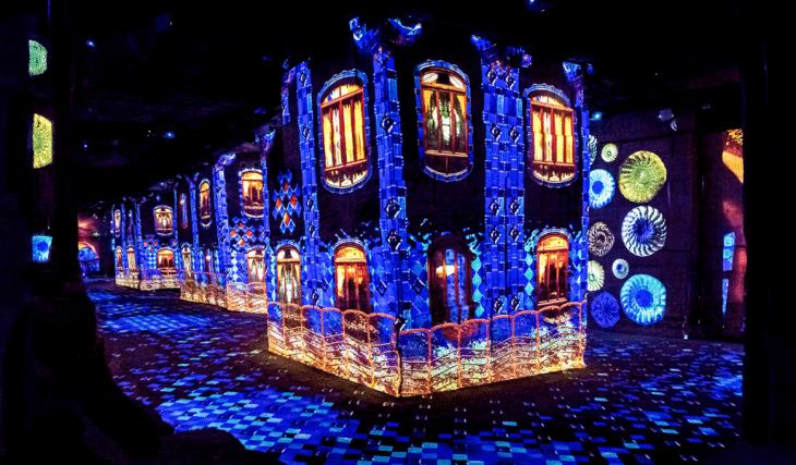 Dalí et Gaudí débarquent aux Carrières de Lumières pour une expérience immersive inédite !
