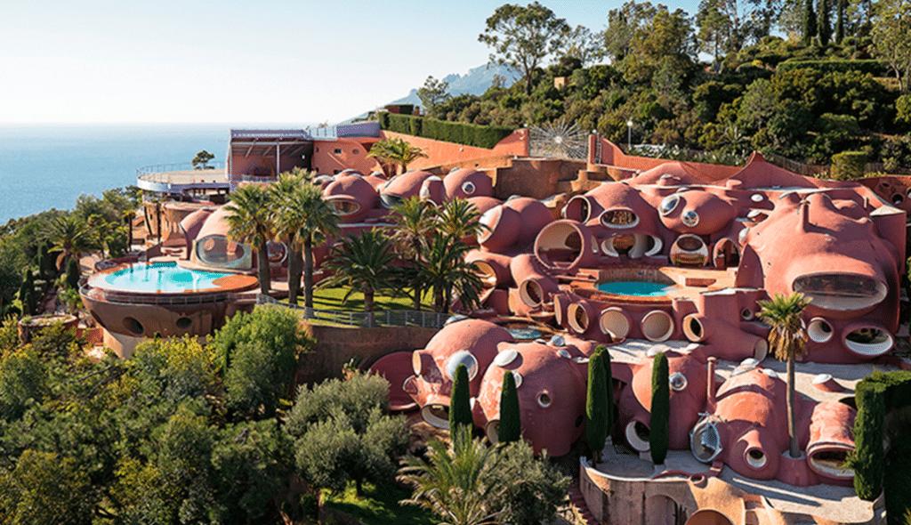 Connaissez-vous le Palais Bulles, l'incroyable villa de Pierre Cardin dans les Alpes-Maritimes?