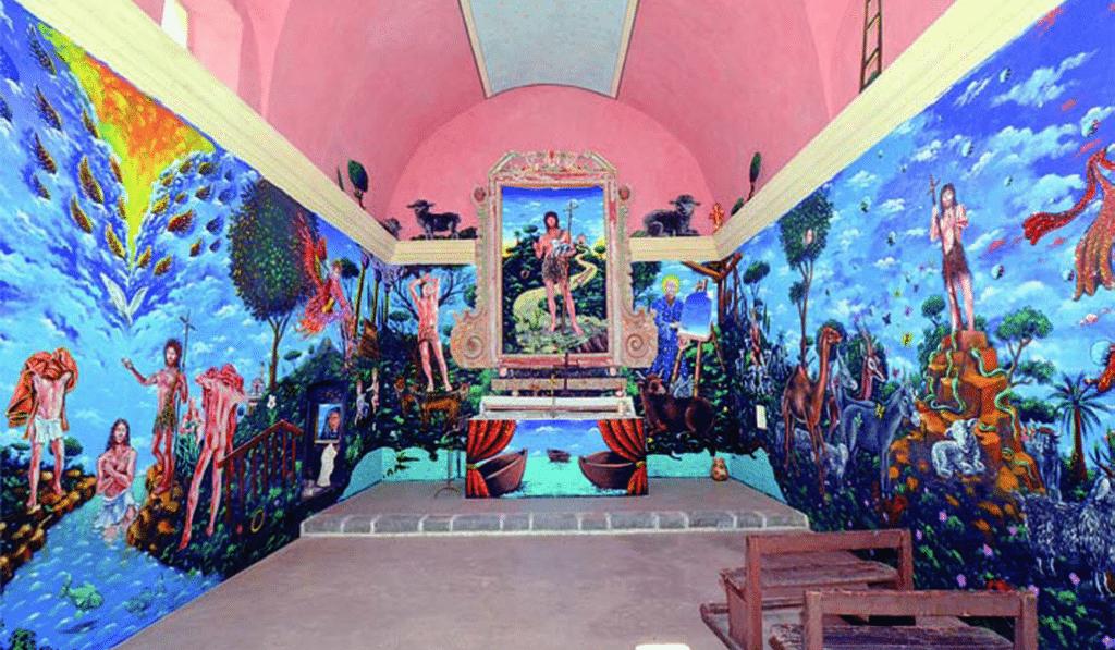Insolite : Visitez les chapelles colorées de l'artiste niçois Moya !