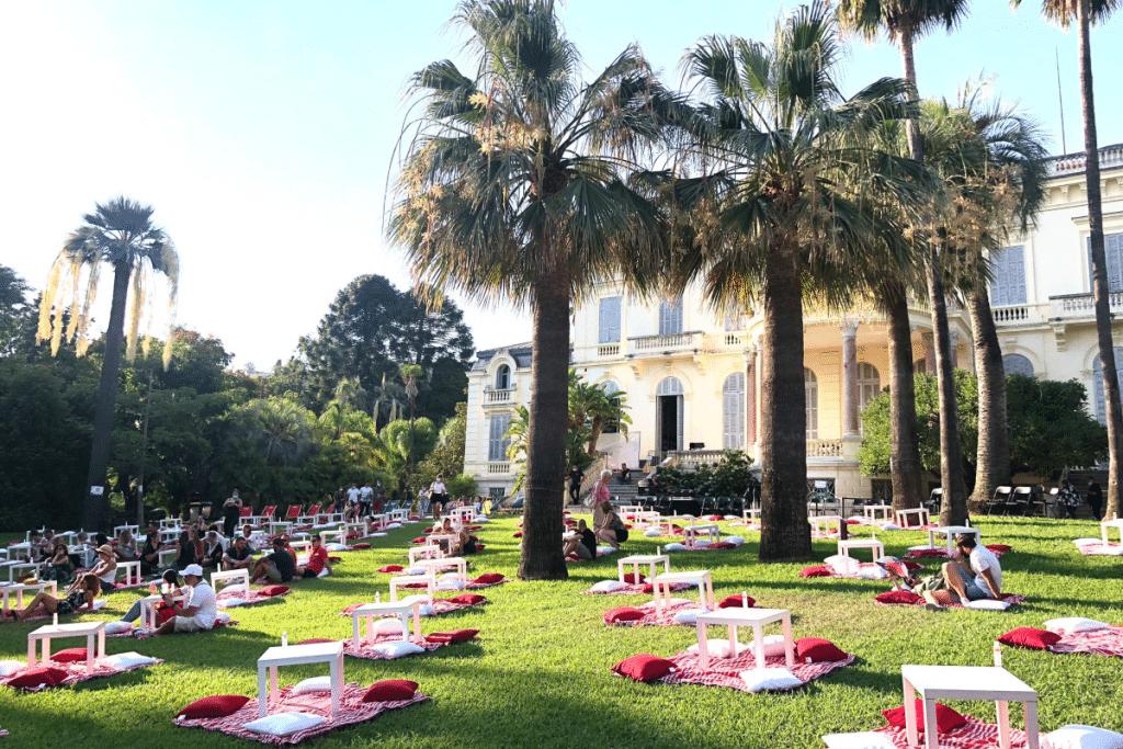 Le Jamel Comedy Club fait son retour dans les Jardins de la Villa Rothschild de Cannes cet été !