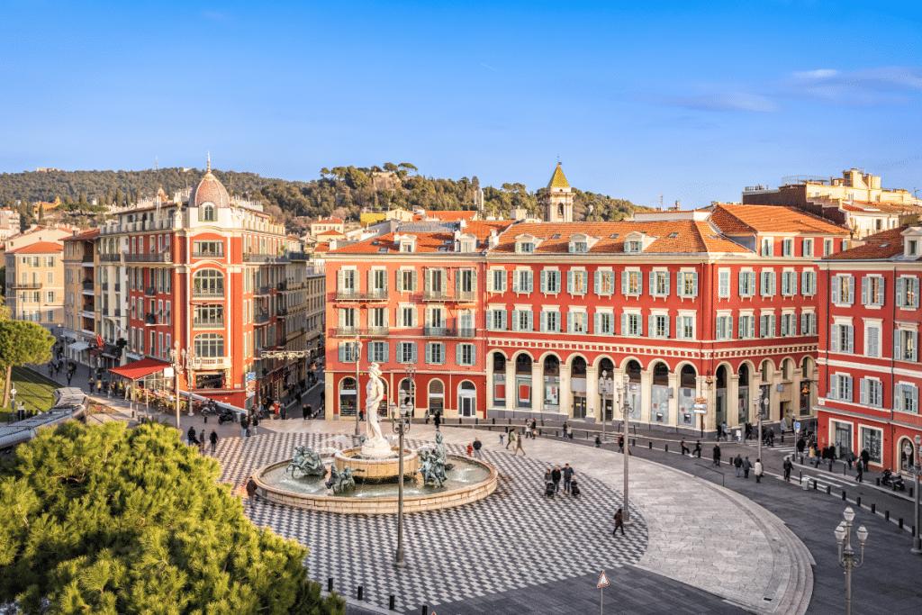Covid-19 : des taux d'incidence supérieurs à 250 dans 5 quartiers de Nice !