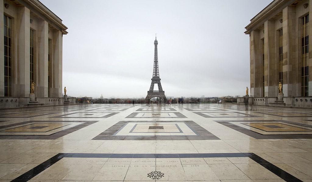 Découvrez les lieux les plus emblématiques de Paris, avec un twist d'insolite