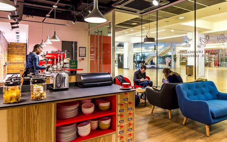 Le plus grand café coworking d'Europe ouvre ses portes à Paris!