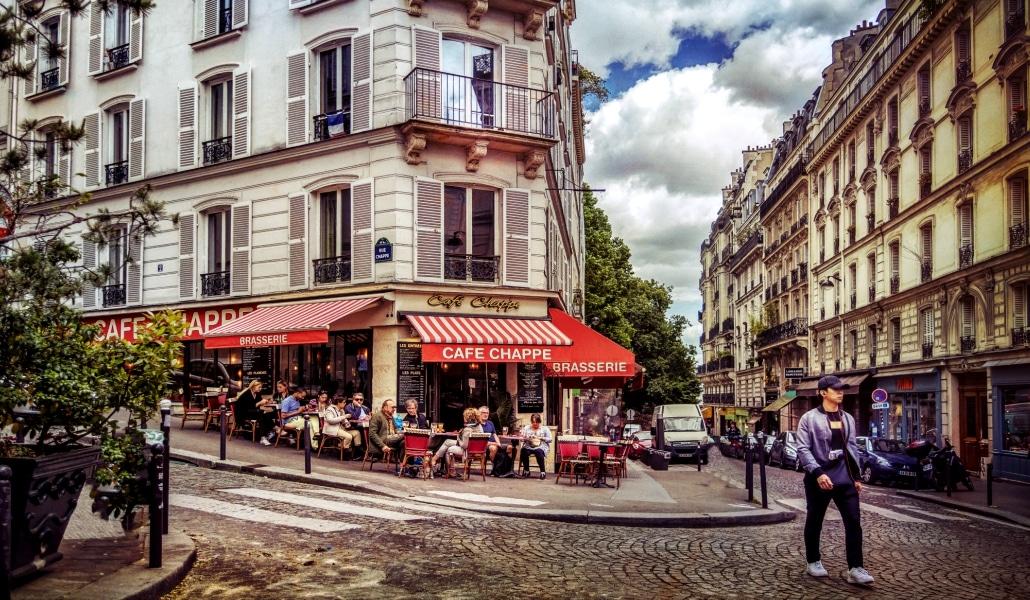 9 adresses mythiques qui vous racontent l'histoire du café parisien