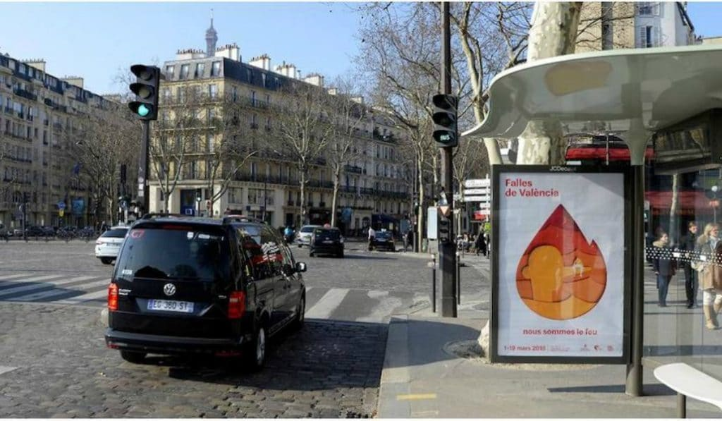 Mais de quoi parlent ces publicités affichées partout dans Paris ?
