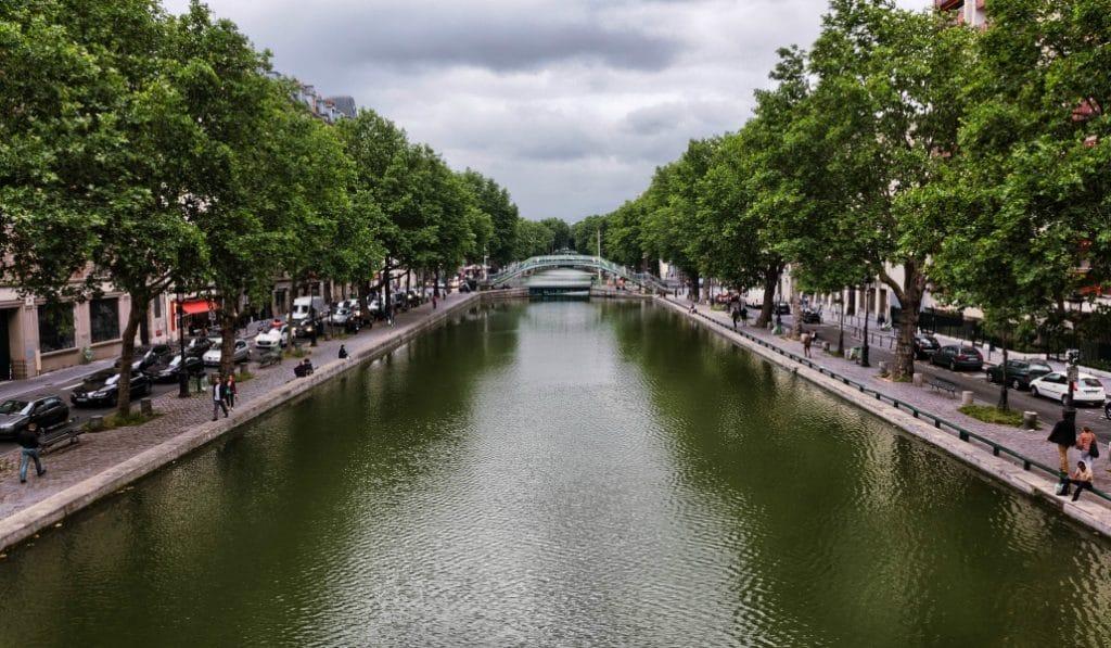 Des radeaux végétalisés pour dépolluer le Canal Saint-Martin