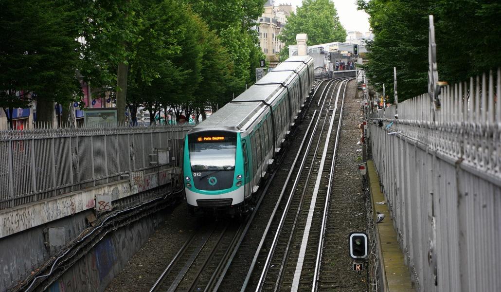 Coluche ou Barbara : comment appelleriez-vous la nouvelle station de métro parisienne ?