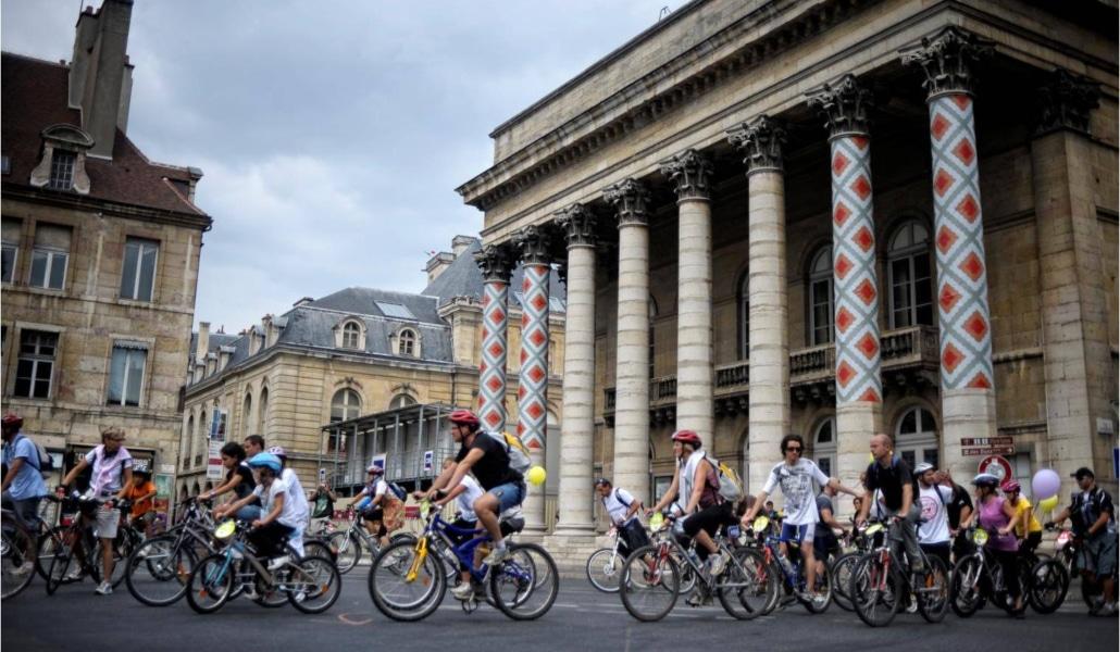 Redécouvrez Paris à vélo dans un parcours insolite et fun!