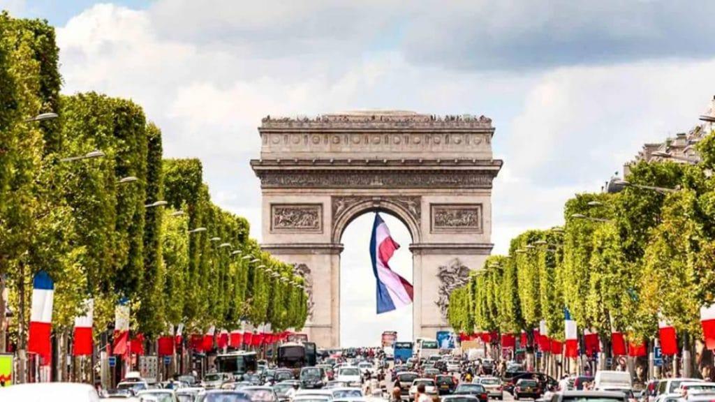 Un ciné en plein air géant bientôt sur les Champs Elysées!