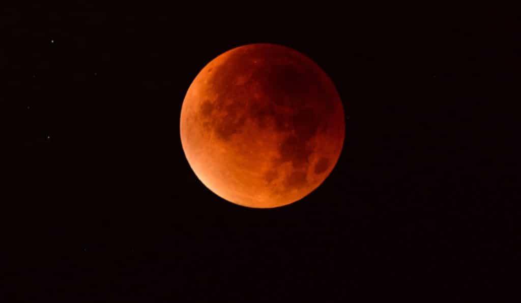 3 conseils pour bien voir la lune rousse ce vendredi