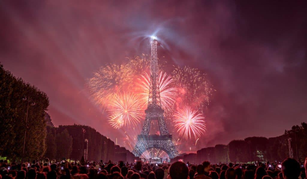 Le top des meilleurs endroits pour voir le feu d'artifice à Paris
