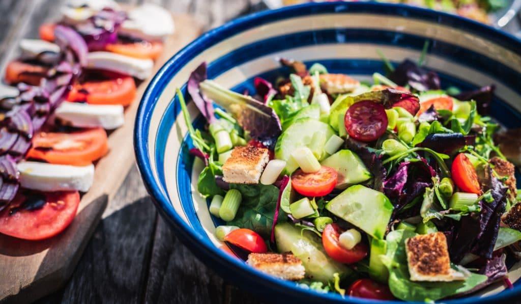 8 adresses pour manger une super bonne salade à Paris