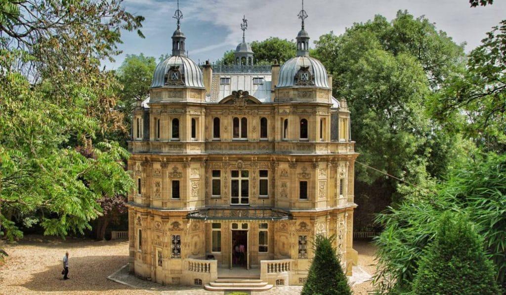 Découvrez le fabuleux château de Monte Cristo, à deux pas de Paris!