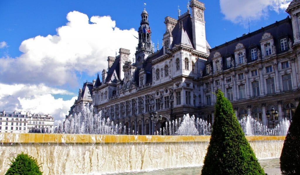 «Paris brûle-t'il ?» sera diffusé samedi sur le parvis de l'Hôtel de Ville
