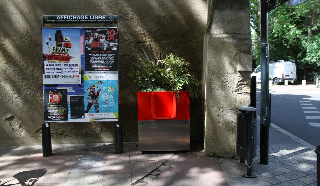 L'uritrottoir : la pissotière écolo qui fait débat à Paris