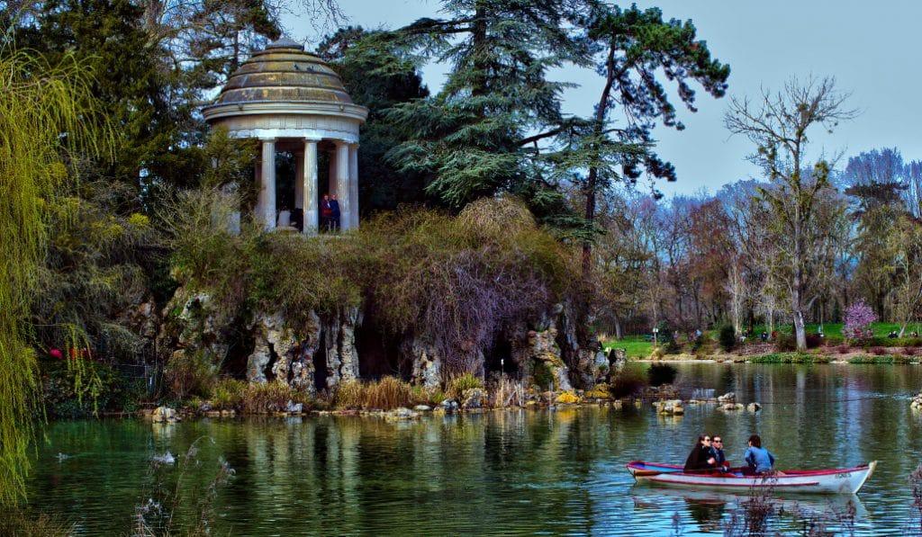 À pied, en vélo ou en barque : découvrez le bois de Vincennes