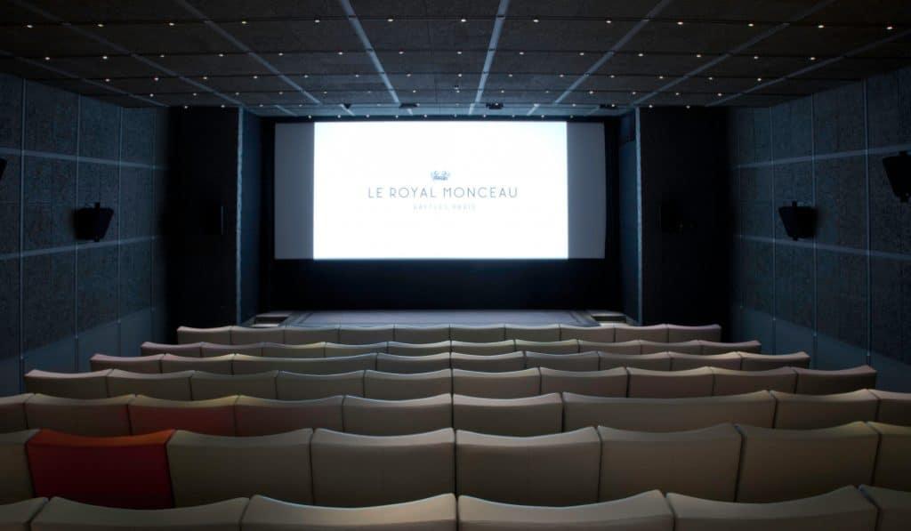 Vivez la vie de palace le temps d'une séance de cinéma au Royal Monceau