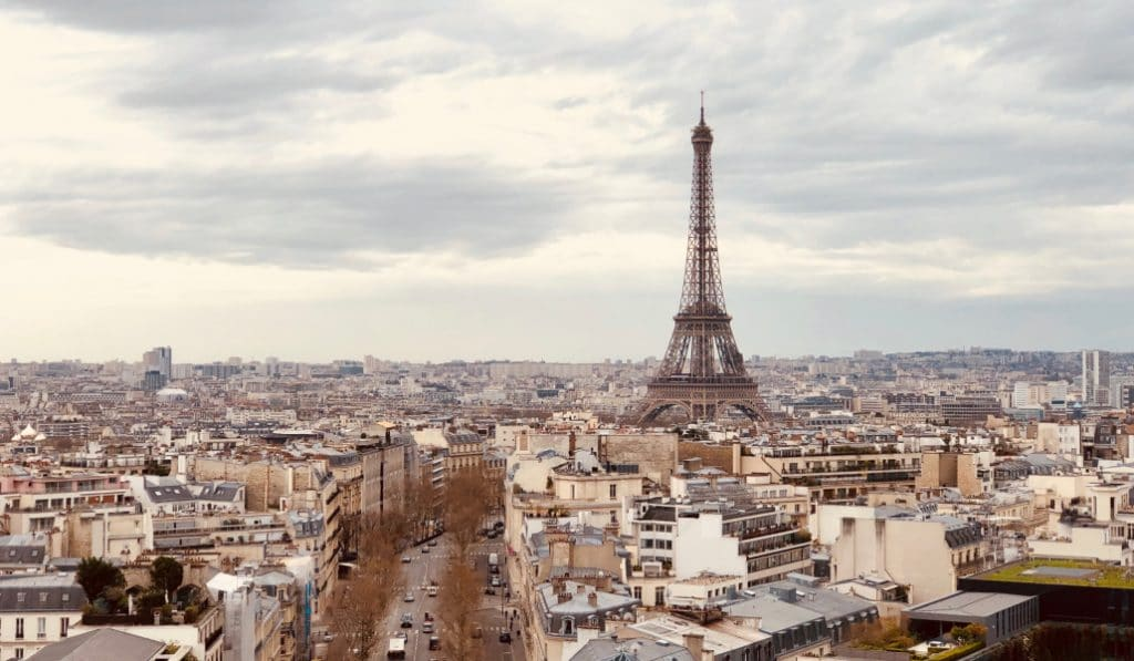 Vue sur la tour Eiffel : l'atout qui fait exploser le prix de l'immobilier à Paris