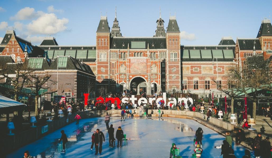 Dreamiiz te propose de partir à Barcelone ou Amsterdam pour le Nouvel An !