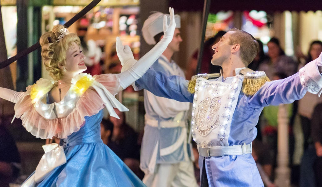 Disneyland Paris recrute des princes et princesses pour sa parade