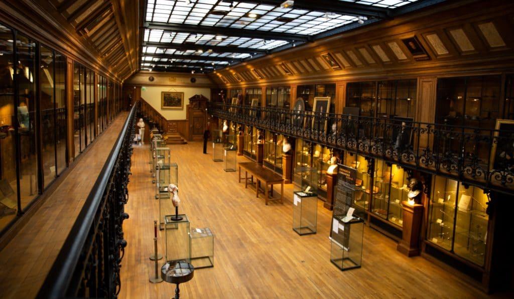 Le musée d'histoire de la médecine et de la chirurgie