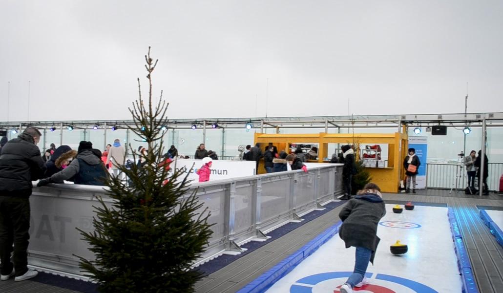 Une patinoire à 210 m de hauteur ouvre sur le toit de la tour Montparnasse !