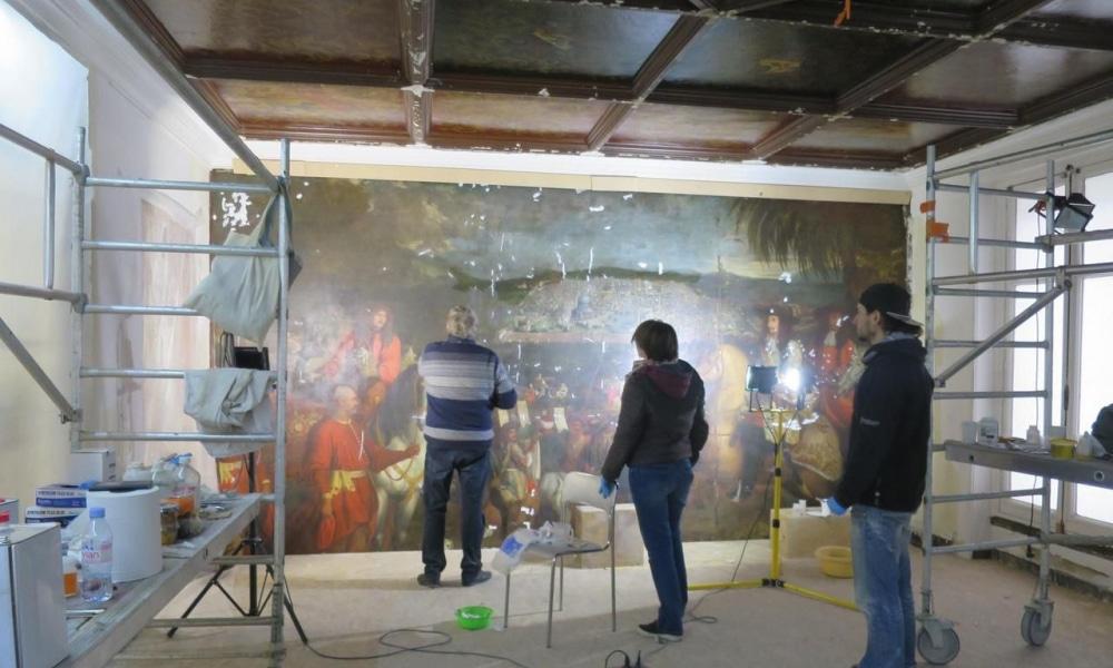 Une incroyable peinture du XVIIe siècle découverte lors de travaux dans une boutique parisienne