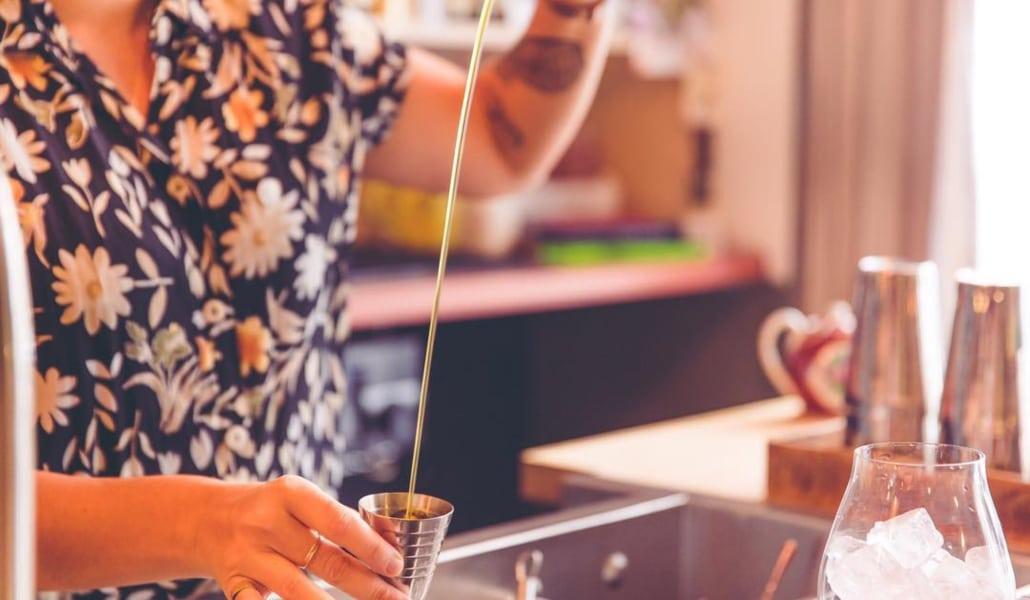 5 bars à cocktails qui révèlent les talents féminins !