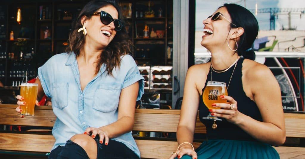 Et si tu lâchais ton Smartphone pour faire de vraies rencontres ?