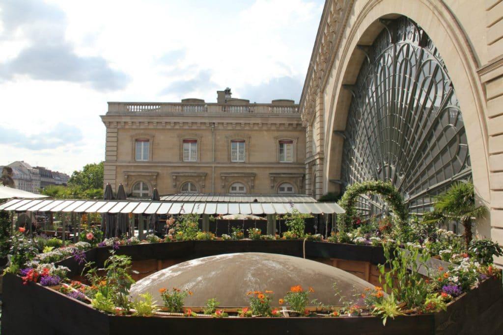 Le Perchoir : Le rooftop le plus trendy a rouvert ses portes à la Gare de l'Est !