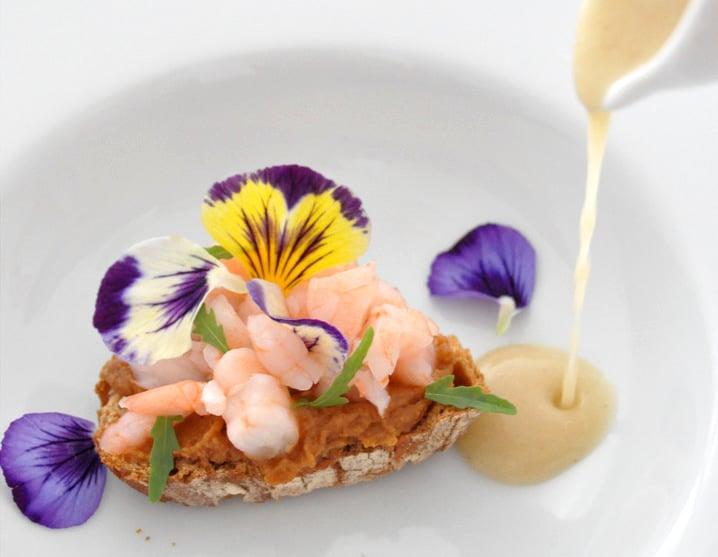 Fleurs comestibles : 10 spots où le printemps s'invite dans l'assiette à Paris !