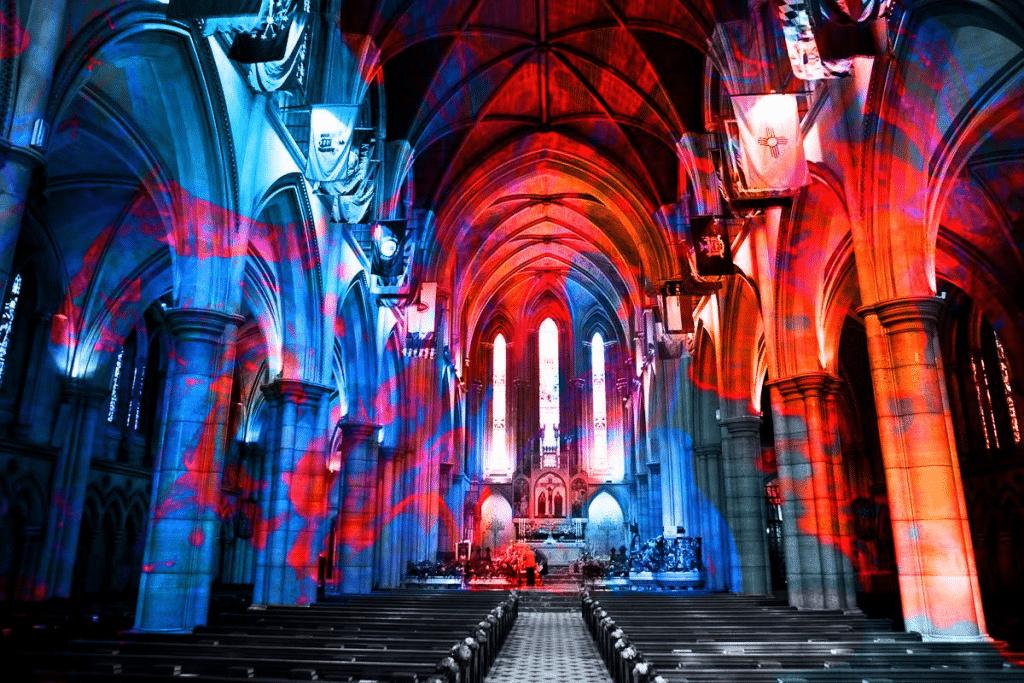 « Nuit sans lune » : venez faire la fête sur du son électro dans une cathédrale qui date de 1881 !