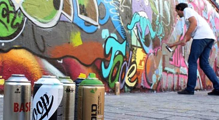 Cet été à Paris, venez vous la jouer street artiste lors d'ateliers graffiti en plein air !