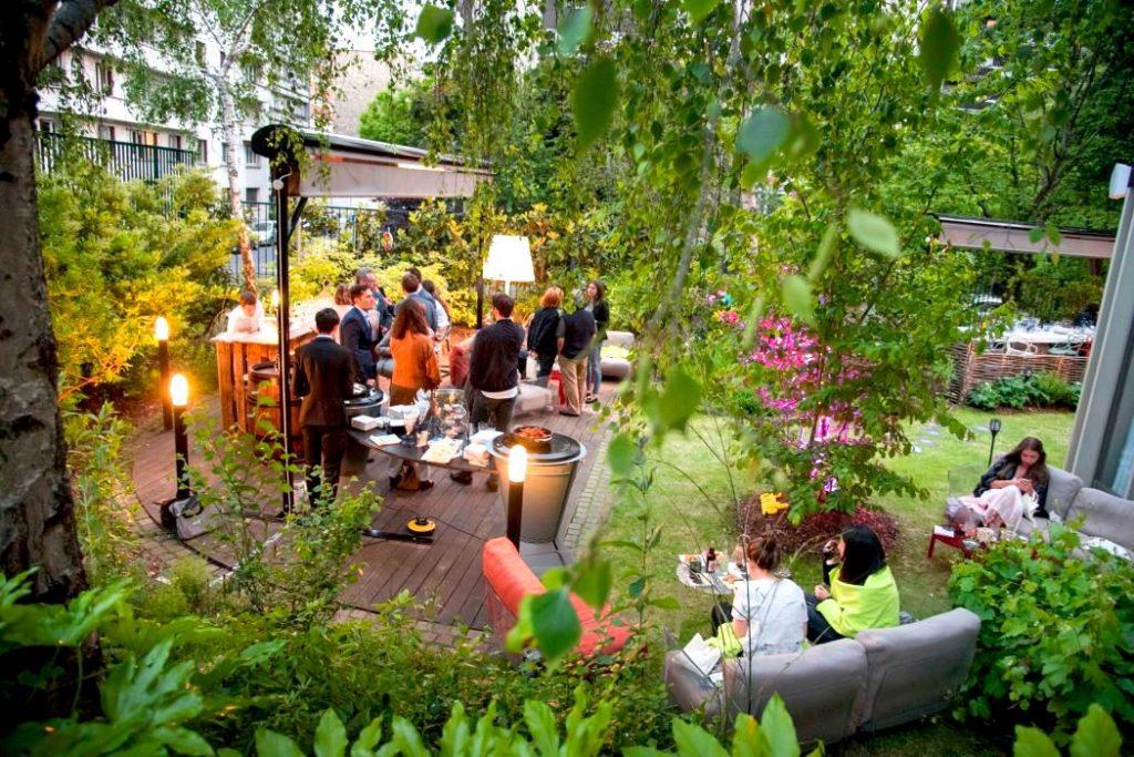 Les plus belles terrasses ouvertes jusqu'à fin septembre pour prolonger l'été à Paris !