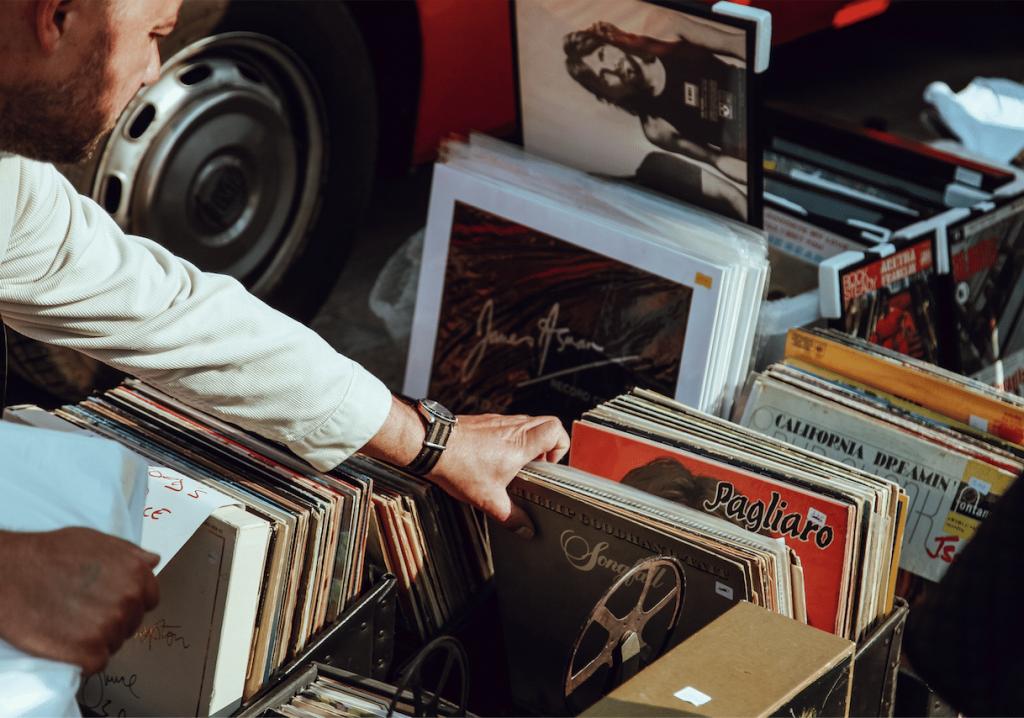 100 000 vinyles d'occasion à la 8ème édition de Paris Loves Vinyl à Paris !