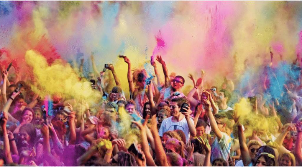 Holi, la fête des couleurs de retour au Jardin d'Acclimatation à Paris !