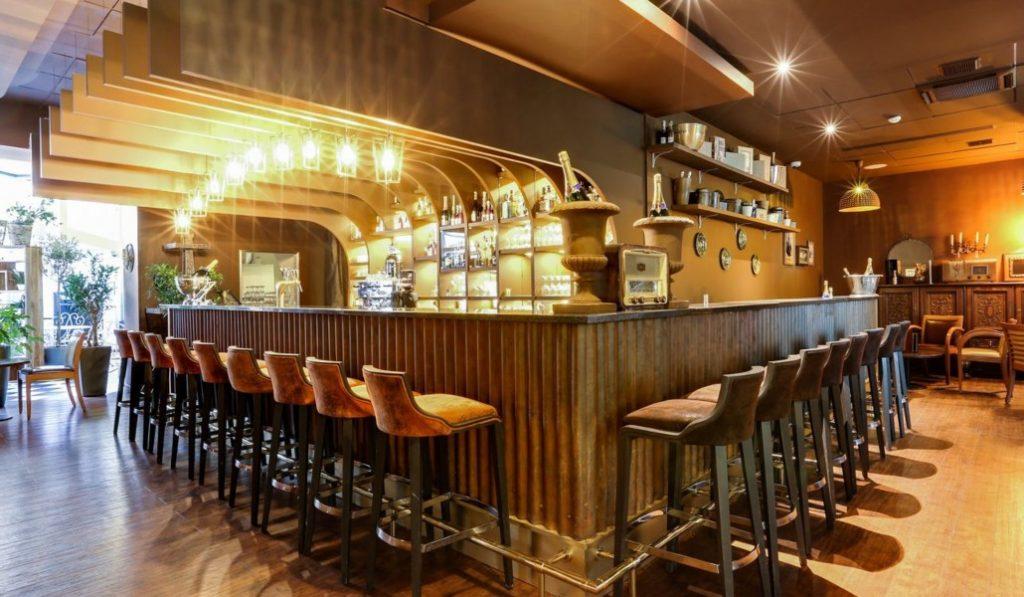 Mimosa Experience : un bar à champagne mobile se déplace au Gustave