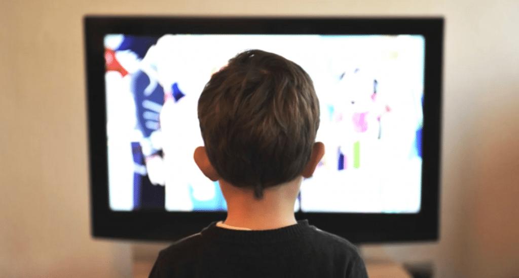 Confinement : France 4 se transforme en salle de classe géante dès lundi !